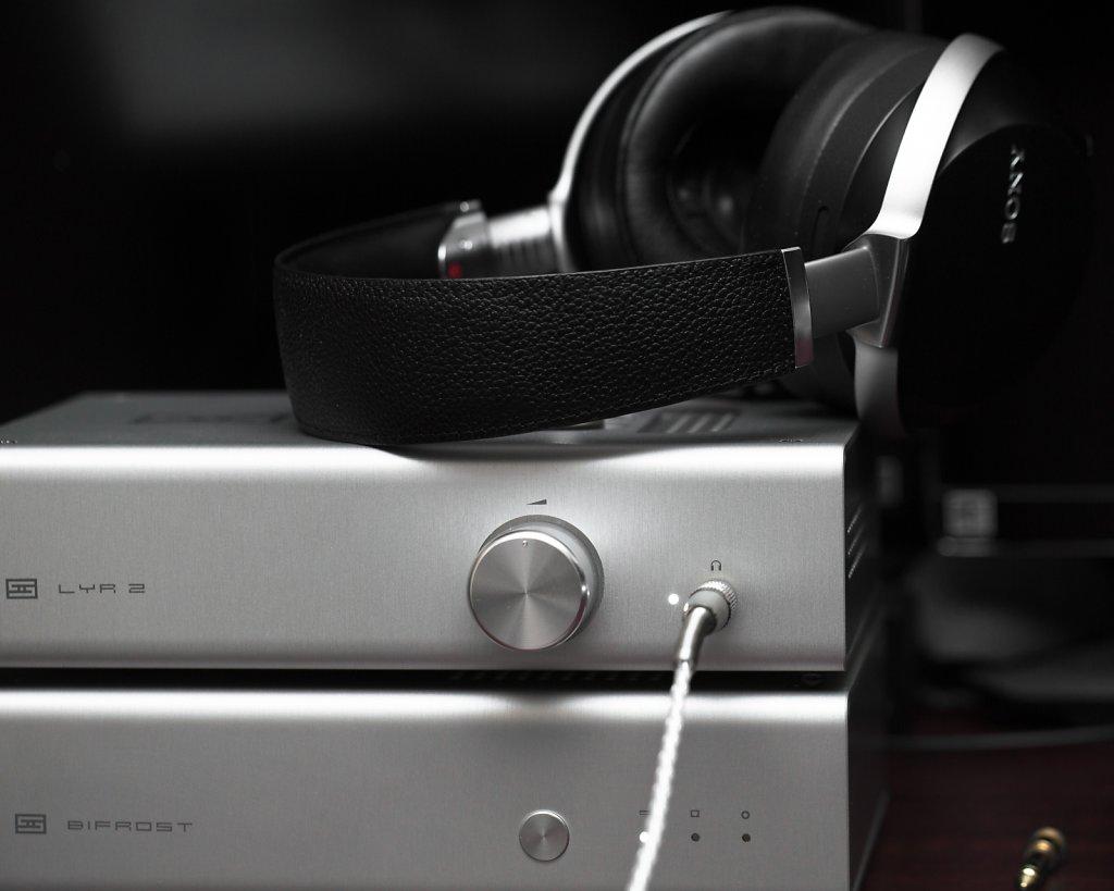 Sony MDR-Z7 + Schiit Lyr 2 & Bifrost